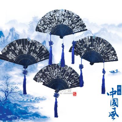 折扇竹扇蓝花布扇子青花装挂件幼儿园环境布置空中挂饰壁饰吊饰