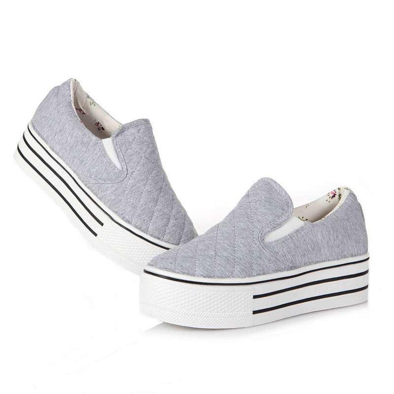 舒适套脚帆布鞋