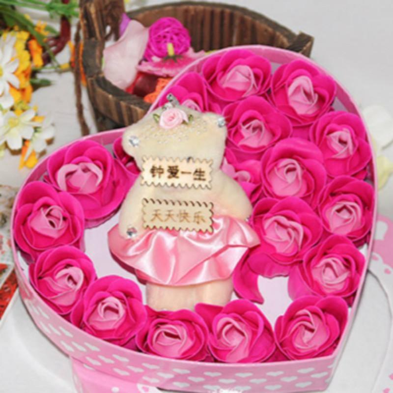 绿盒子 创意保鲜花礼盒 永生玫瑰花 香皂花 18朵玫瑰香皂花加熊天天