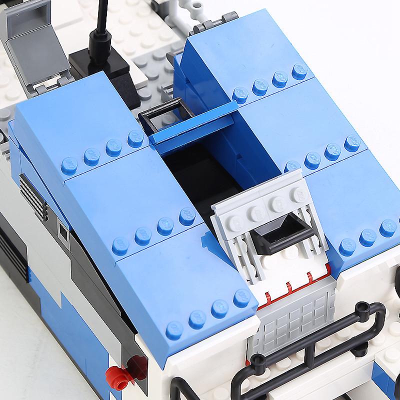 古迪 小颗粒拼装军事积木隐形导弹艇578片模型玩具 8024