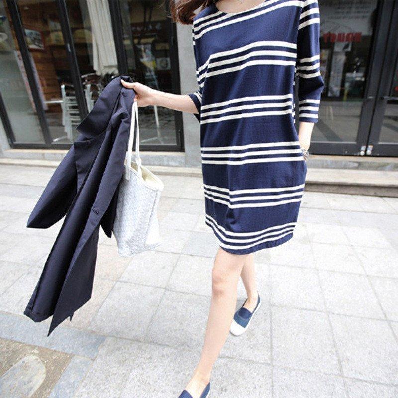 宽松条纹连衣裙