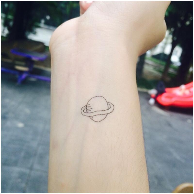 彩丽馆韩国清新卡通防水彩绘原宿创意土星球火箭可爱星星情侣纹身贴