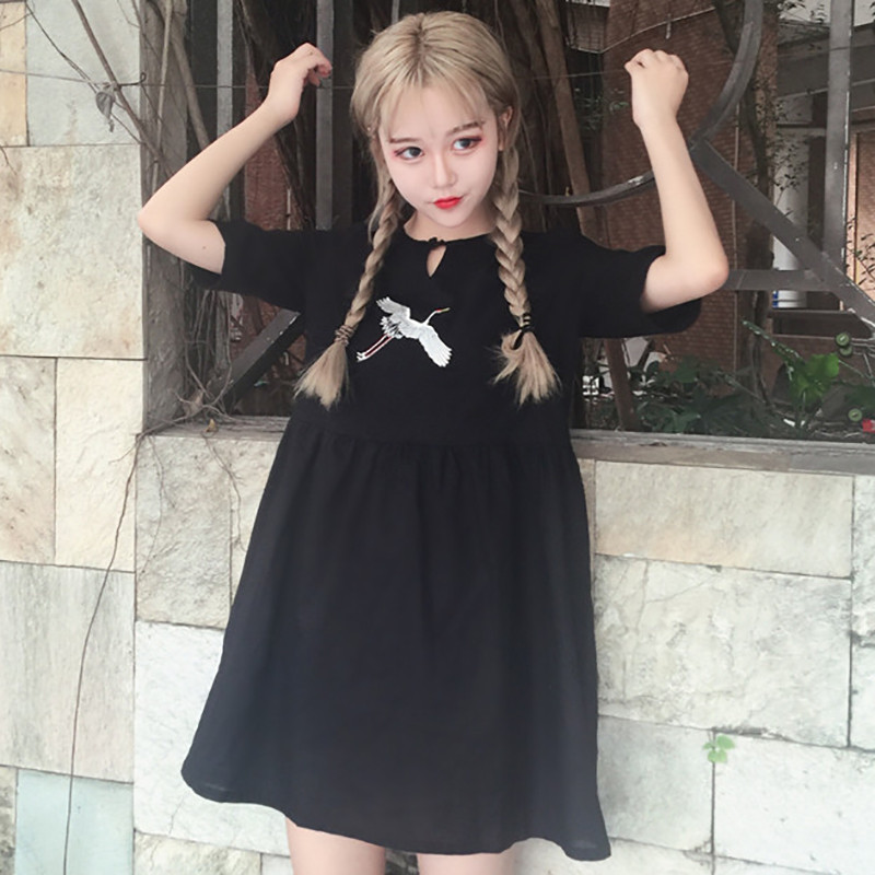 夏装女装韩版少女复古可爱刺绣宽松短袖连衣裙小v领学生娃娃裙子
