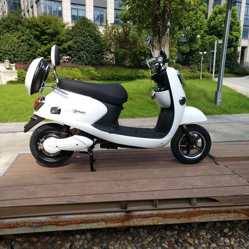 龟王踏板车自行车代步48伏60伏碟刹真空轮胎可爱靓丽清纯女生用电动车