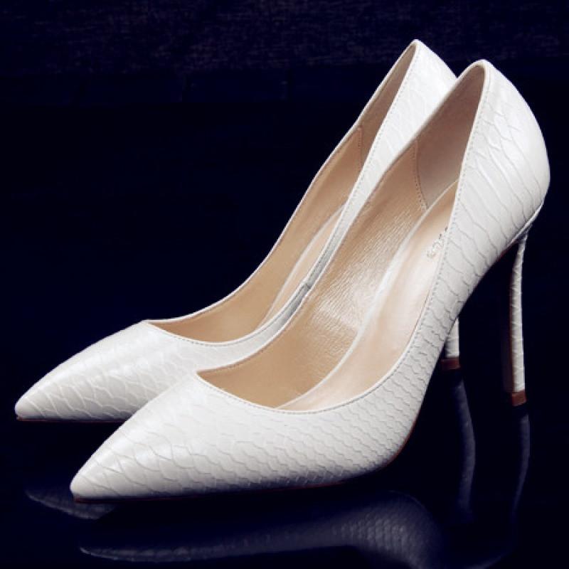2017新款2017欧美新款蛇纹尖头高跟鞋细跟浅口真皮单鞋女白色婚鞋性感
