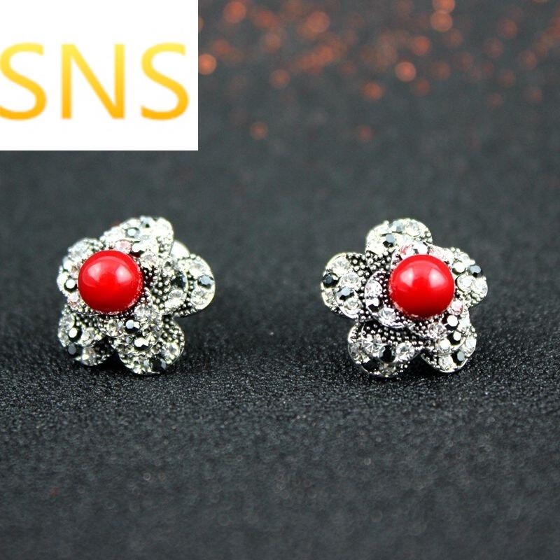 韩版可爱耳钉耳环女时尚欧美复古花朵镶钻耳饰品本命年礼物