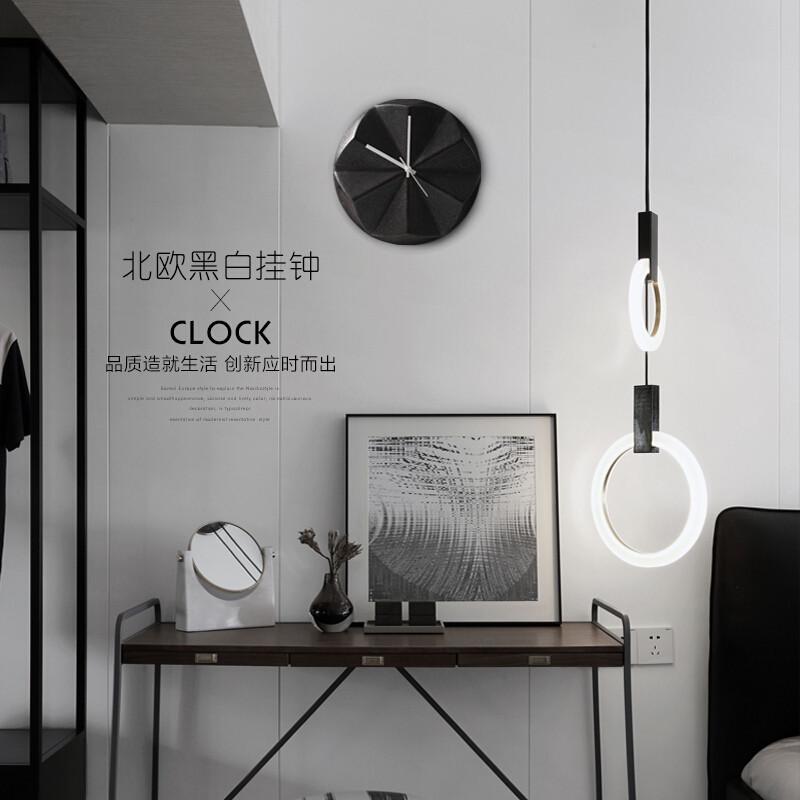 北欧简约陶瓷挂钟墙挂壁饰卧室创意客厅墙面装饰品时钟钟饰磨砂做旧图片