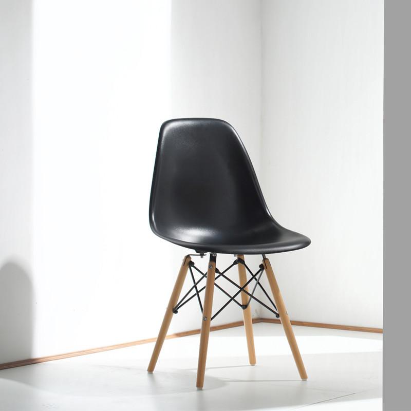 现代简约伊姆斯椅家用设计师时尚靠背餐椅北欧休闲塑料创意办公椅