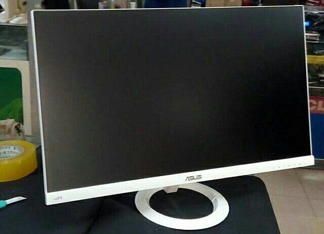 全新27寸护眼电脑液晶显示器IPS无边框高清屏 产品名称: AOC I2769V包装体积: 714(W)x520(H)x150(D)mm品牌: AOC冠捷型号: I2769V套餐类型: 套餐一屏幕尺寸: 27英寸摄像头类型: 无摄像头是否无线: 有线毛重: 4.99Kg/7.23Kg能效等级: 一级触摸屏类型: 非触摸屏颜色分类: 白色 尺寸: 27英寸售后服务: 店铺三包是否宽屏: 是垂直可视角度: 178黑白响应时间:成色: 全新 液晶屏