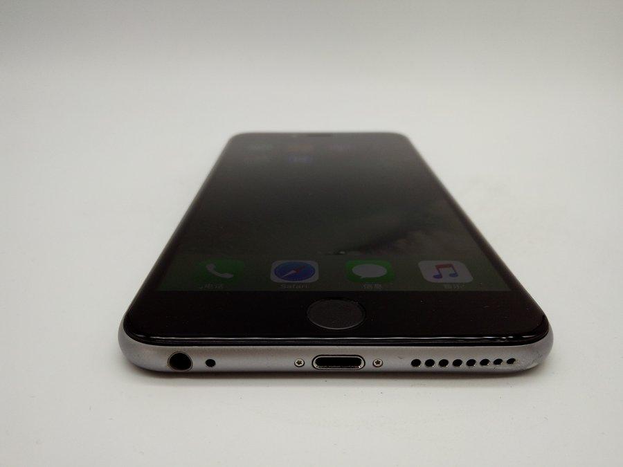 機型:蘋果 iPhone 6 Plus 灰色 內存:16 G 版本:國行 全網通 成色:9成新 【同城幫質檢結論】型號:A1524。屏幕有劃痕,后殼邊框磨損,經過同城幫專業質檢,確保無質量問題,無翻新,推薦購買。 ------------------------ 配件:贈送全新品勝充電器和數據線 快遞:全國包郵(如選貨到付款,郵費需您自付) 保修:支持7天無理由退貨,180天保修。